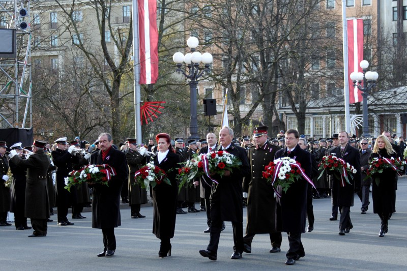 18.11.2013. The 95th anniversary of the Republic of Latvia – the President of the State Andris Berzins, the Speaker of the Parliament Solvita Aboltina, the Prime Minister Valdis Dombrovskis and the Chief Justice of the Supreme Court Ivars Bickovics put flowers near the Freedom Monument.