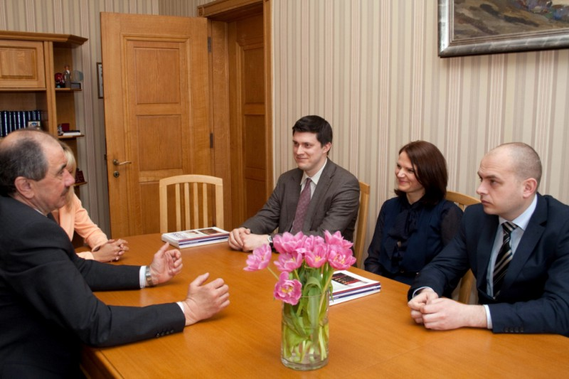 15.04.2015. Scientific advisers commence work in the Supreme Court. Ivars Bickovics, the Chief Justice of the Supreme Court, in conversation with scientific advisers Rihards Gulbis, Inga Bertaite and Janis Baumanis points out that such service has been developed to strengthen capacity of cassation instance. Service of scientific advisers might, possibly, become permanent structural unit in a long run, at present there are three advisers - by one in each department, and they will perform scientific research, which is necessary to ensure work of departments