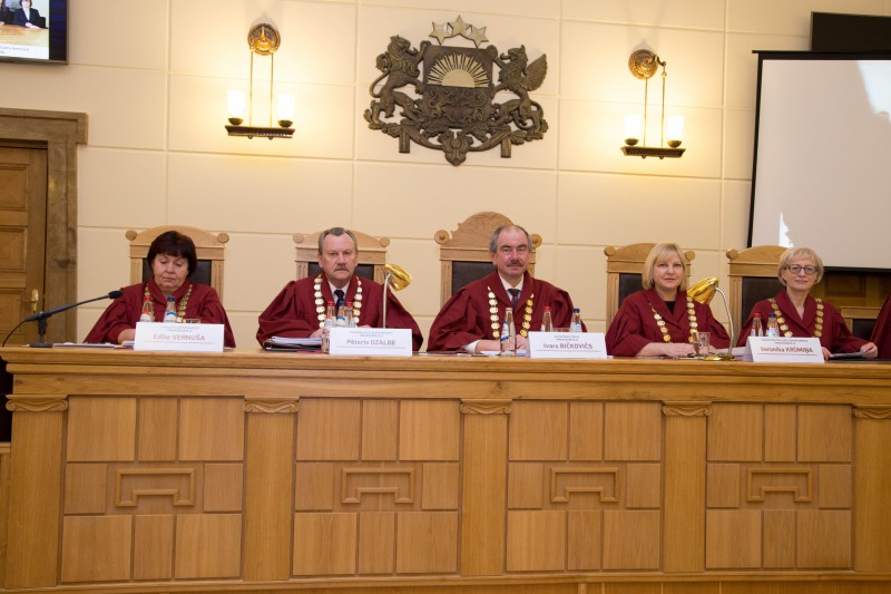 26.02.2016. The Supreme Court ended the year 2015 with several positive indicators concerning adjudication of cases: number of cases received has decreased per nearly one-third, rate of adjudicated cases has increased, and backlog of cases has decreased per 25 per cent. The management of the Supreme Court at the Plenary Session: Edite Vernusa, the Chair of the Department of Civil Cases; Peteris Dzalbe, the Chair of the Department of Criminal Cases; Ivars Bickovics, the Chief Justice of the Supreme Court; Veronika Krumina, the Chair of the Department of Administrative Cases, and Ineta Ozola, the Chair of the Chamber of Civil Cases.