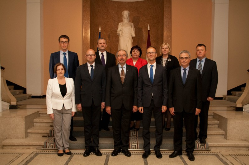 09.09.2015. Continuing tradition of cooperation among courts of Baltic States, delegations of Supreme Courts of Lithuania and Estonia headed by Chief Justices Rimvydas Norkus and Priit Pikamäe participated in week's fests dedicated to the 150th anniversary of the senator August Loeber. Judges from neighbouring countries exchanged experience discussing issues, which are topical for everyone – increasing efficiency of work to reduce length of litigation in cassation instance. From Latvia, Chairs of departments of the cassation instance participated in the discussion.