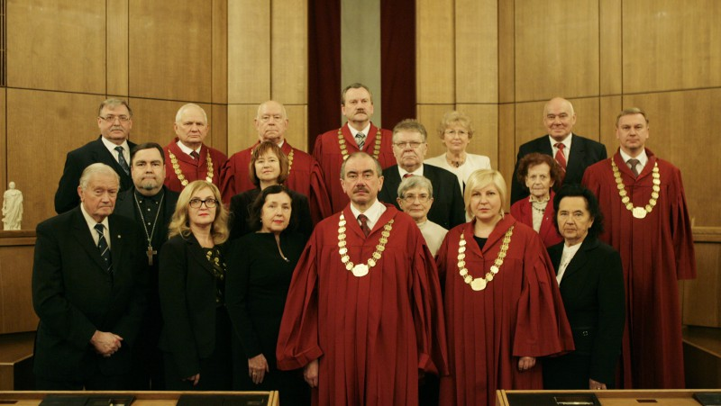 19.12.2013. Management of the Supreme Court together with former judges and relatives of senators of the Senate of Latvia at the ceremonial sitting dedicated to the 95th anniversary of the Senate of Latvia
