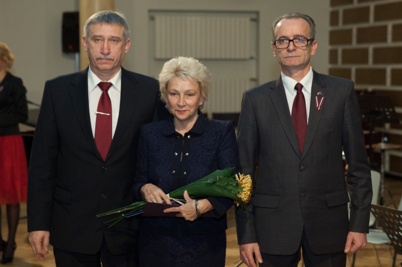 07.11.2014.  On the eve of a Public Holiday Week, Aija Branta, the judge of the Chamber of Criminal Cases of the Supreme Court, received the highest professional award – the Mark of Distinction of System of Justice of 2nd rank. The award was presented by Dzintars Rasnacs, the Minister of Justice, and Eriks Kalnmeiers, the Prosecutor General. Photo from archive of the Ministry of Justice