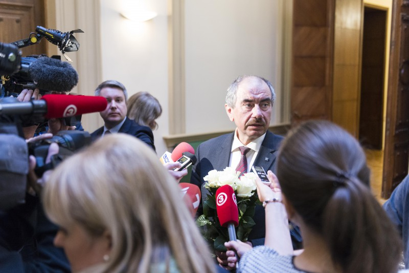 28.05.2015. The Saeima confirmed Ivars Bickovics, the previous Chief Justice of the Supreme Court, in the office of the Chief Justice of the Supreme Court for the second term of office. The Chief Justice surrounded by media after the vote