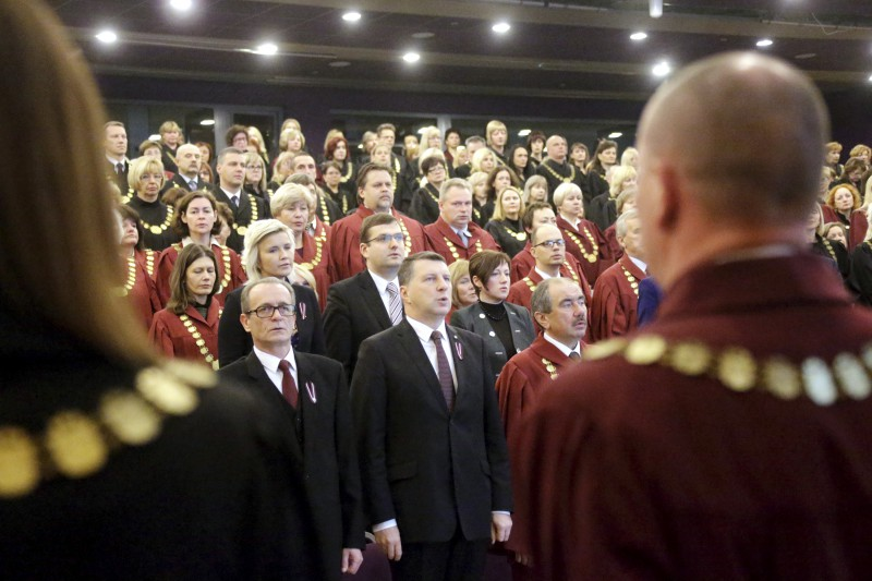 """11.11.2015. Raimonds Vejonis, the President of the State, when addressing judges at Latvian Judges' Conference, paid attention to the fact that the judiciary and each judge play an important role so that residents of Latvia could feel more secure in their country. The President also urged the judiciary to explain events in court system more actively: """"The work of the court is done only when the case is adjudicated fairly and ruling prepared in legally precise manner is explained to public."""""""
