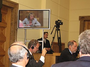 Dr.Anda Nulle (in the screen) during the cross – examination trying to defend plaintiff's position