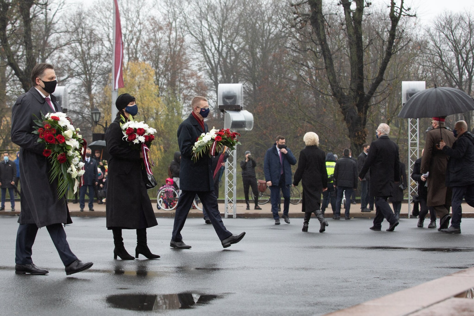 18.11.2020. The judiciary – Aigars Strupiss, Chief Justice of the Supreme Court, and Sanita Osipova, President of the Constitutional Court, by the Freedom Monument