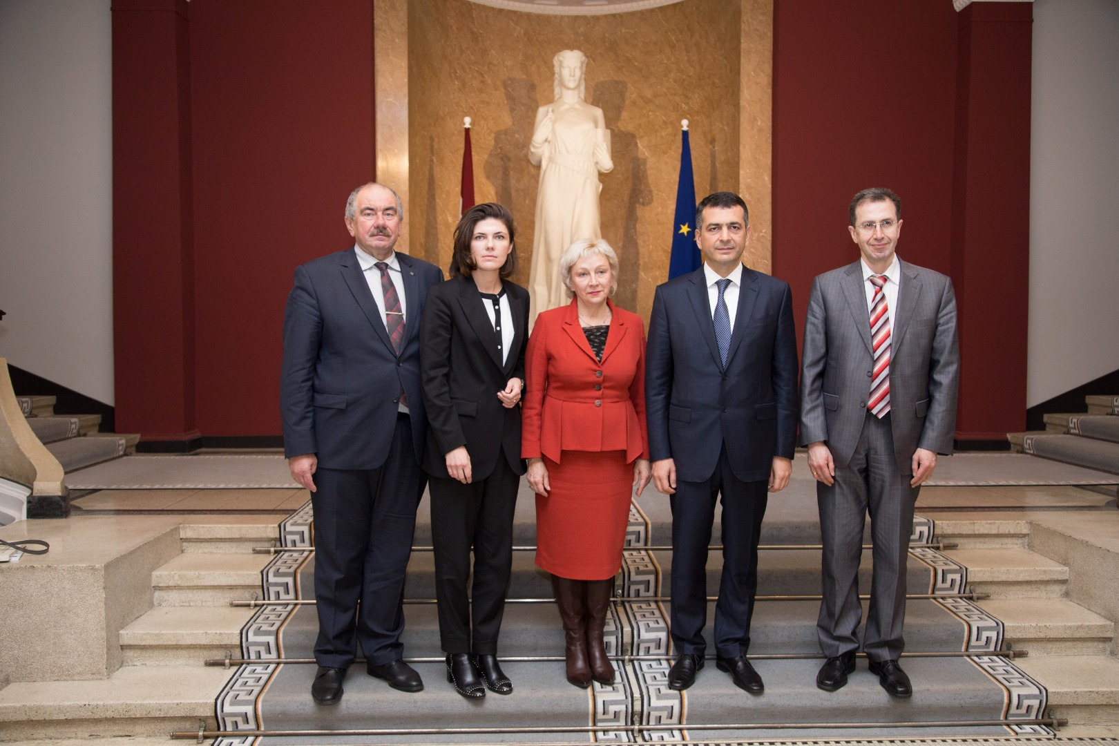 """31.10.2019. After the meeting in the Supreme Court (from left), Ivars Bickovics, Chief Justice of the Supreme Court and the chair of the Council for the Judiciary, Anna Skrjabina, head of the project """"Justice for Development"""", Aija Branta, Senator of the Supreme Court, Ramin Gurbanov, President of the European Commission for the Efficiency of Justice of the Council of Europe (CEPEJ), and Artashes Melikyan, Head of the Secretariat of the Consultative Council of European Judges."""
