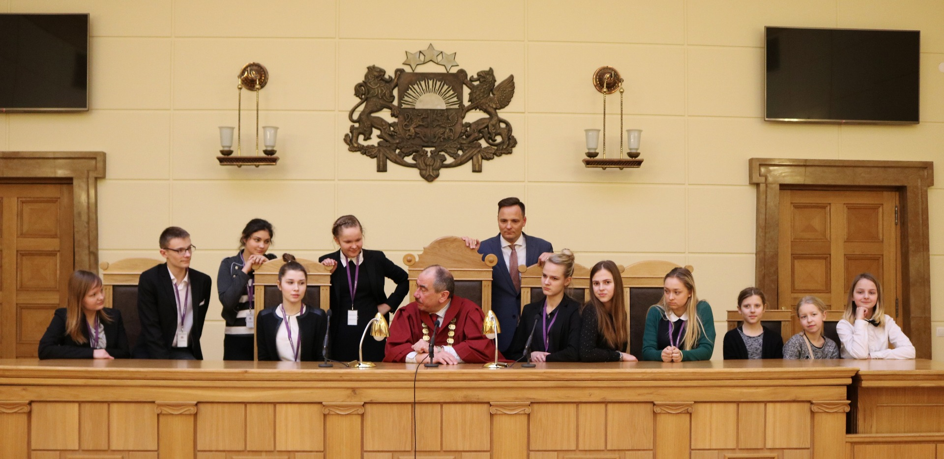15.02.2017. On the Shadow Day the Supreme Court was visited by ten pupils from Skriveri, Cesvaine, Islice, Smiltene, Ventspils and Riga. They learned about the daily work routine of employees and judges of the Supreme Court. At the end of the day the Chief Justice of the Supreme Court Ivars Bickovics met with 'shadows' from the Supreme Court, as well as with 'shadows' from the Ministry of Justice (see photo).