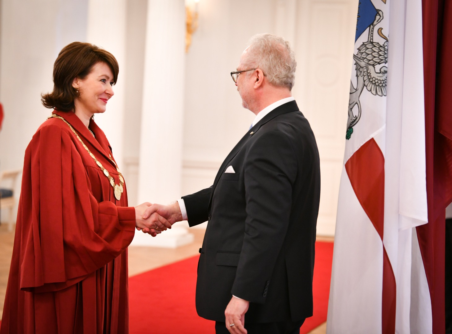 19.02.2020. At the Riga Castle, President of Latvia Egils Levits was given a solemn promise by Sandra Kaija, Doctor of Laws, who was approved by the Saeima (Parliament) as a Supreme Court judge on January 16. Sandra Kaija has more than 15 years of academic experience in the field of law at the university; she is an author of more than 70 scientific publications, an author or co-author of ten law books.