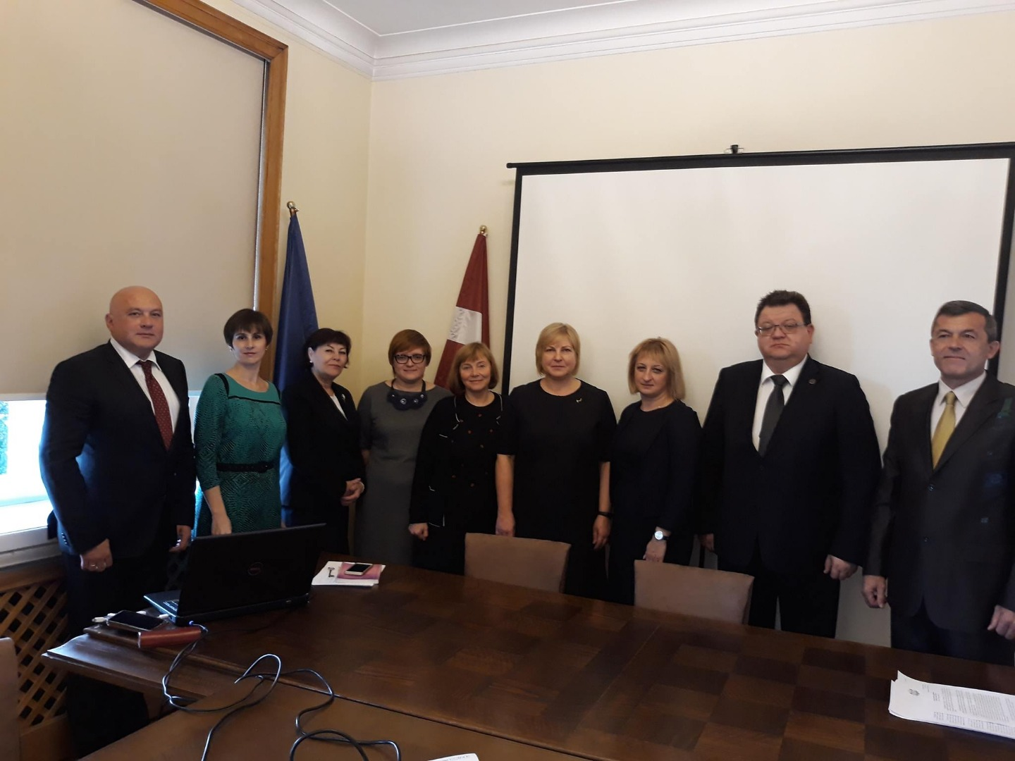 """25.09.2018. The judges of the Supreme Court of Ukraine came to Latvia in the framework of the project """"Strengthening the institutional capacity of the Supreme Court of Ukraine in the field of human rights protection at the national level"""". The visit was arranged by judge Jautrite Briede, who is currently working as a project expert in the Supreme Court of Ukraine. Guests met with Ivars Bickovics, the Chief Justice of the Supreme Court, as well as with judges and legal research counsels from all departments in order to get acquainted with the work experience of the Supreme Court of Latvia, paying particular attention to the so-called """"cassation filters""""."""