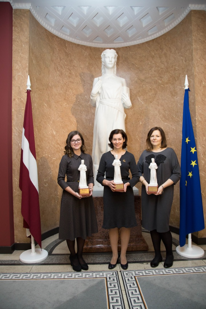 18.12.2019. Themis Awards 2019: (from left) Creative Themis Award given to Lauma Kuzmane, Human Resources Specialist, Special Themis Awards was given to Marika Senkane, Senator of the Department of Civil Cases, Professional Themis Award was given to Irina Casa, Advisor to the Secretariat of the Council for the Judiciary. During the period of fifteen years the Supreme Court's highest award, the Themis Award, has been given to 47 judges and employees, as well as to three departments, in various nominations.