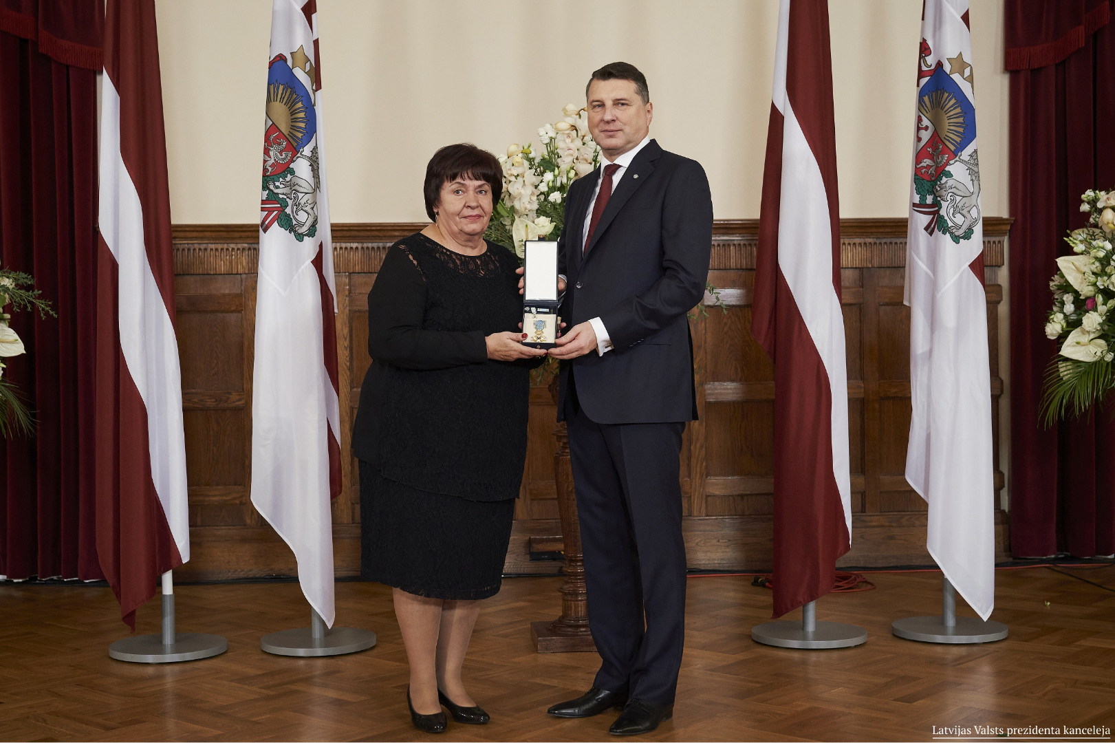 17.11.2018. Edite Vernusa, judge of the Department of Civil Cases, was awarded the highest state award – the Order of the Three Stars – for meritorious service to Latvia. The Order of Chapters has awarded the judge with the Order of the 4th class. On the eve of the centenary of Latvia, the award was presented by the President of Latvia Raimonds Vejonis.