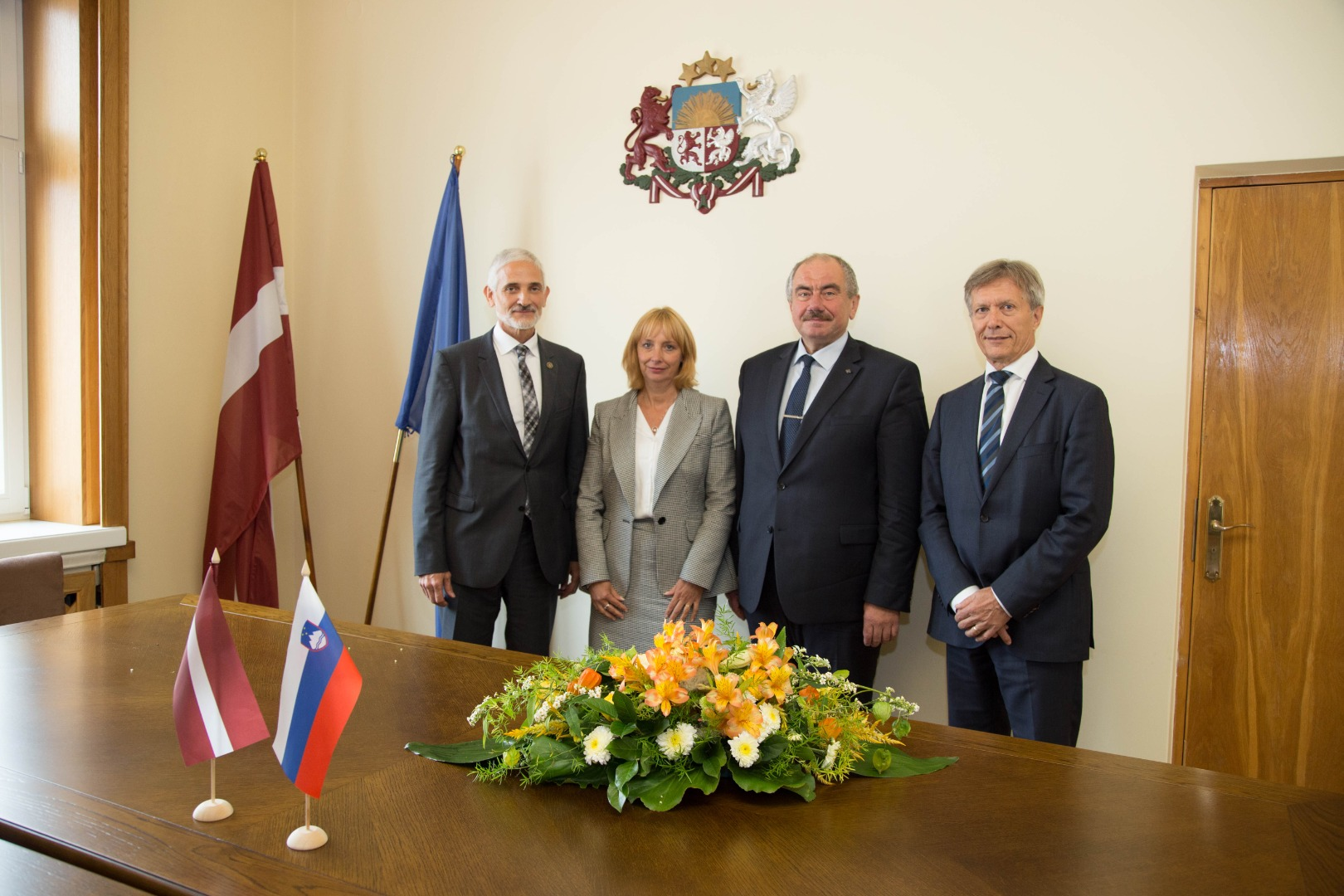 19.09.2019. The Supreme Court of Slovenia, headed by President Damijan Florjančič visited the Supreme Court of Latvia and mat with judges and legal research counsels in order to exchange information and viewpoints on the procedural regulation of cassation courts in both countries, on the organization of court work, topical problems and solutions. In the photo – Chief Justice of the Supreme Court of Latvia together with guests.
