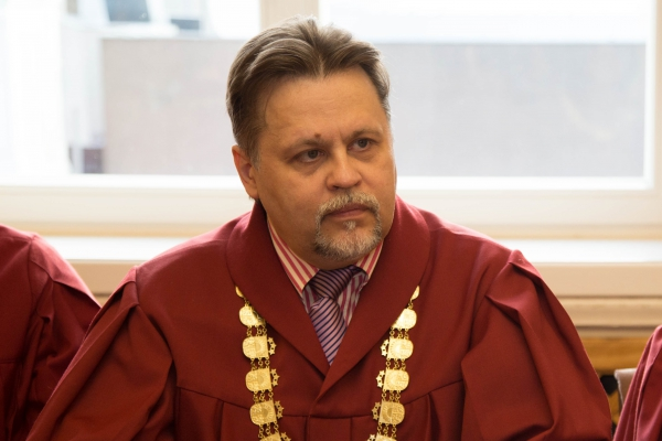 10.09.2018. At the Plenary Session of the Supreme Court, Judge Aigars Strupiss is elected as the Chair of the Department of Civil Cases of the Supreme Court for a term of five years. Judge Edite Vernusa, who has been leading the work of the Department of Civil Cases since 2015, has filed a request to be removed from this office before the expiration of the term of office. Aigars Strupiss is elected the member of the Council for the Judiciary, as the term of office of Judge Inara Garda has expired.