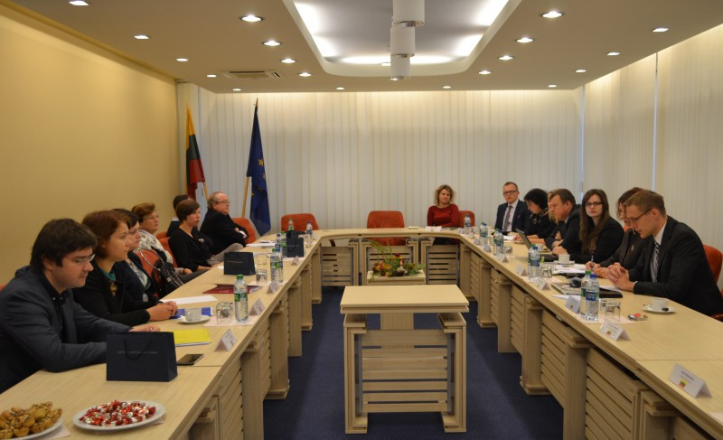 Discussion of representatives of Lithuanian, Latvian, Hungarian and Spanish Supreme Courts at the Supreme Court of Lithuania, October 2016