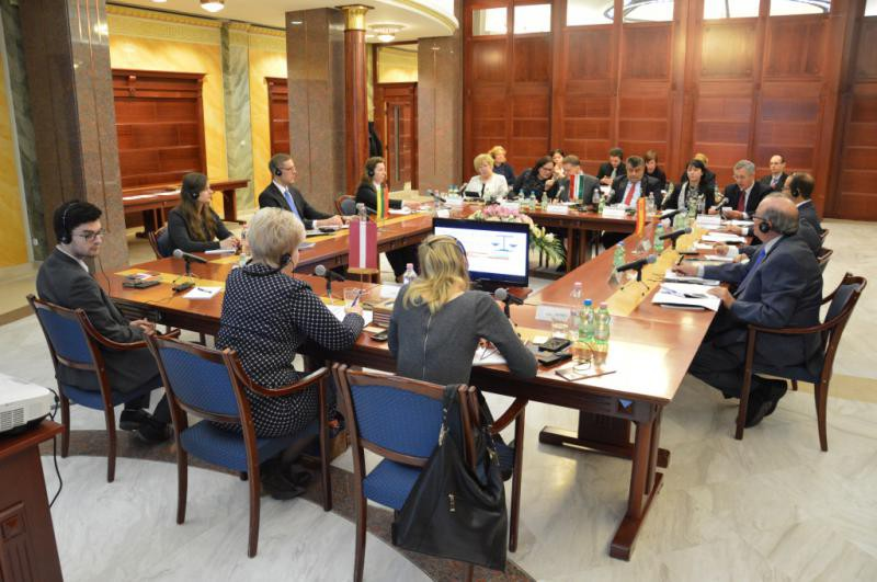 Discussion of the participants of project at the Curia of Hungary, November 2016