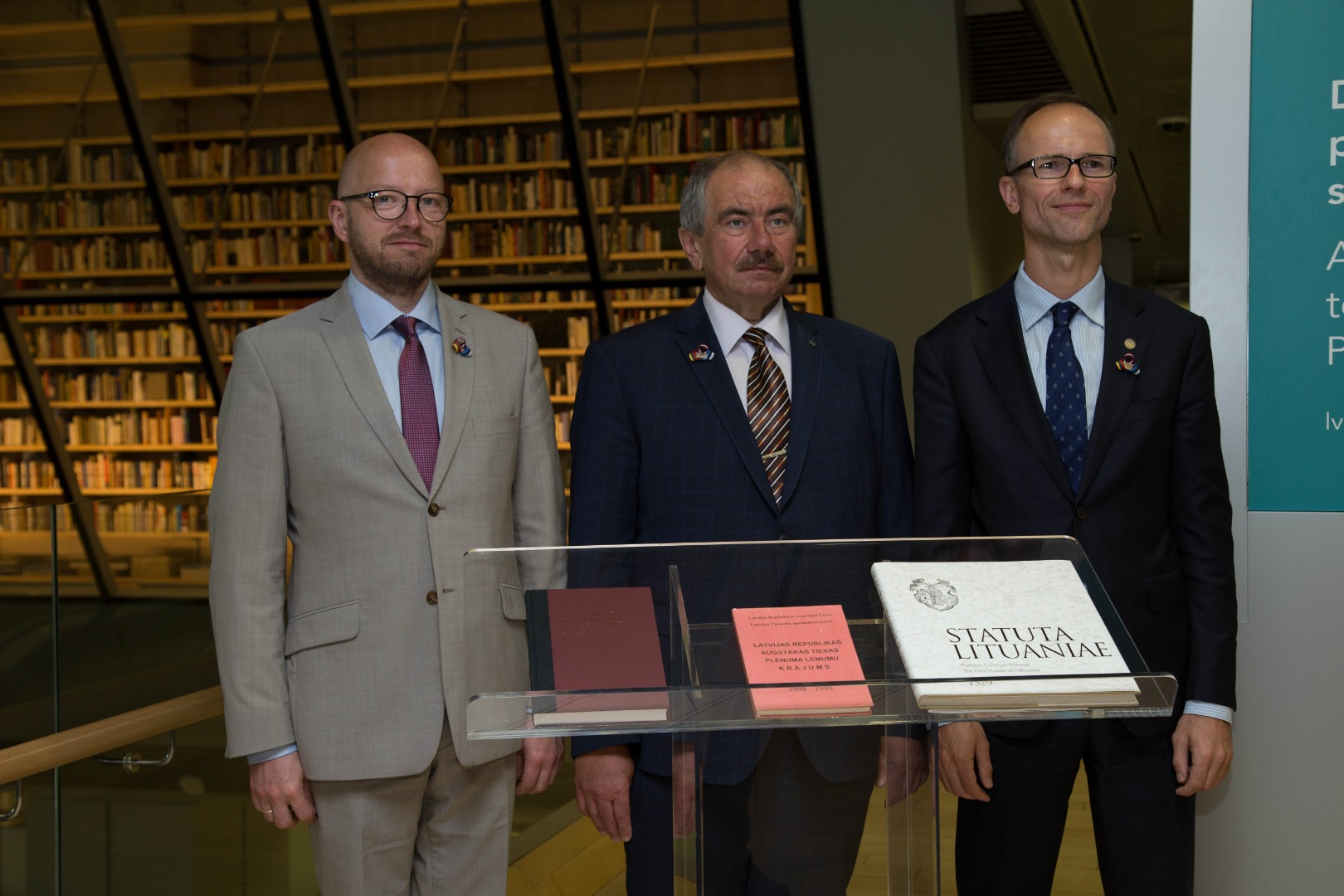 Chief Justices of the Supreme Courts of Baltic States and their donation to People's Bookshelf at the National Library of Latvia